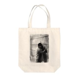 壁ドン Tote bags