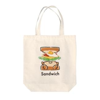 サンドイッチになる瞬間 Tote bags
