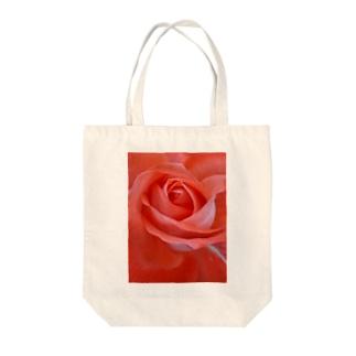 麗し気に Tote bags