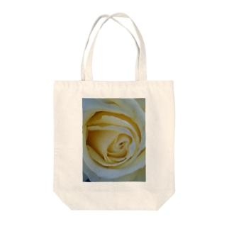 バニラアイス Tote bags