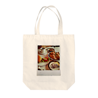 sheknowのある日の昼飯 Tote bags