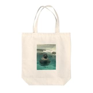 アザラシ Tote bags