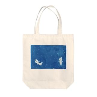うちゅう うさぎ Tote bags
