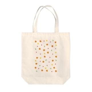 おにぎりでピクニック! Tote bags