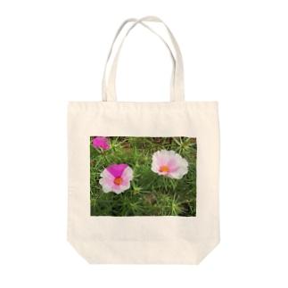 ピンクのマダラちゃん Tote bags