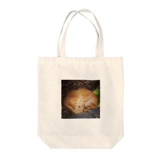 眠り猫 Tote bags