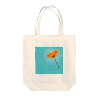 キバナコスモス Tote bags