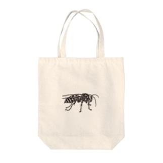 点描のスズメバチ Tote bags