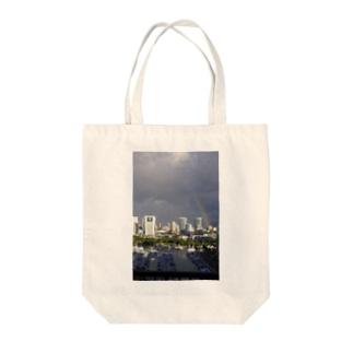 虹inハワイ Tote bags
