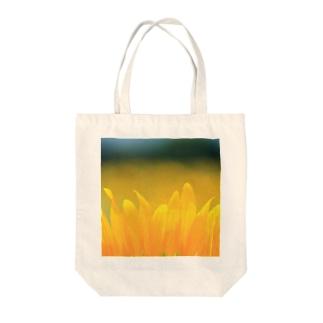 ひまわり(花びら) Tote bags