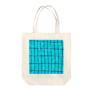 夏のプール Tote bags