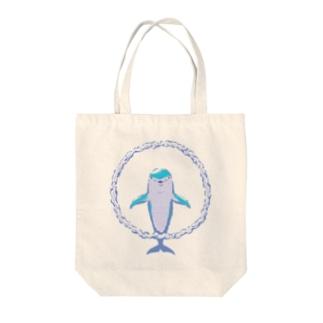 バブルリングドルフィン Tote bags