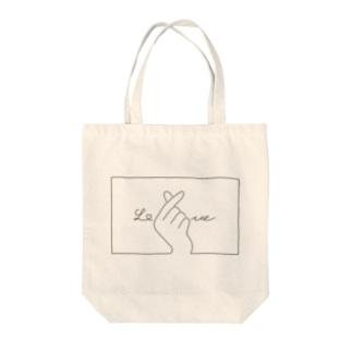指ハート(Black) Tote bags