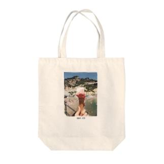 mar.23 / amalfi, italia  Tote bags