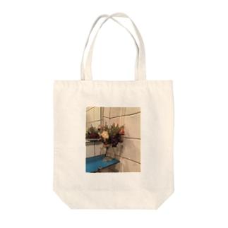造花 Tote bags
