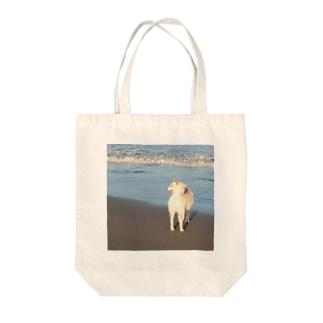 白柴シロと海 Tote bags