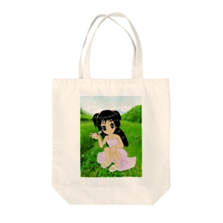 少女と赤とんぼと山 Tote bags