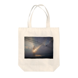 鉄塔と夕陽 Tote bags