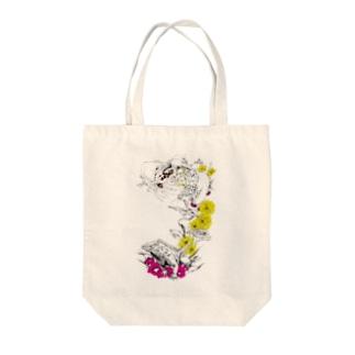 イグアナ Tote bags