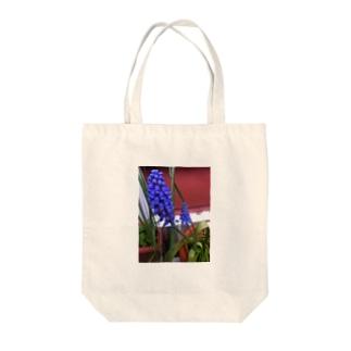 幻想的な青い花 Tote bags