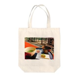 お抹茶と和菓子なんていかがですか? Tote bags
