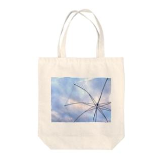 雨の日もきっと楽しくなるでショウ Tote bags