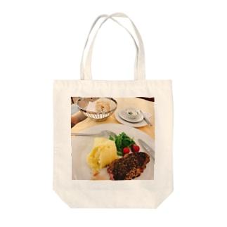 美味しいステーキ Tote bags