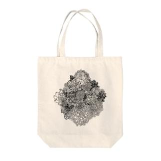 日々成長しつづけるグルグル Tote bags