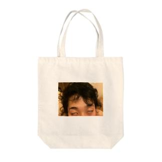 ワイビー Tote bags