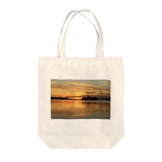 宍道湖の夕日 Tote bags