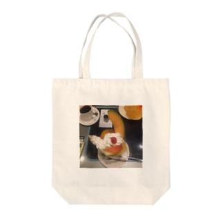 フルーツクリームパフェ Tote bags