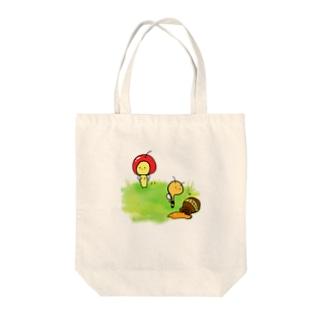 りんごとハチ Tote bags
