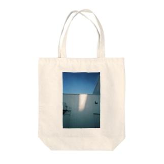 日向の匂い Tote bags