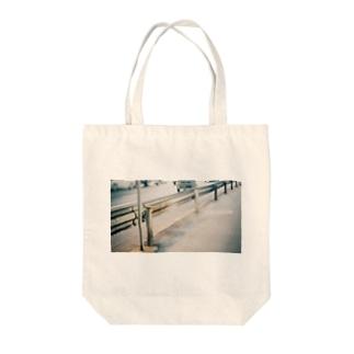 君のいない街なんて Tote bags