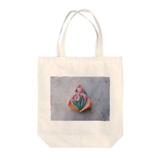 Amulet Tote bags
