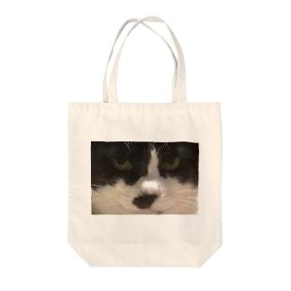 被災猫ごま Tote bags