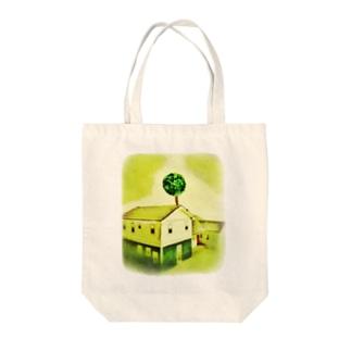 家と木と陰と Tote bags