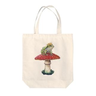 カエルの王子様 Tote bags