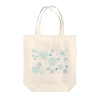 寒椿(Blue) Tote bags