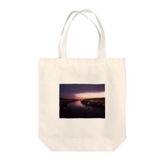 ヴィシェフラドの夕焼 Tote bags