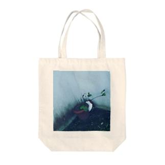 枯れた植木の Tote bags
