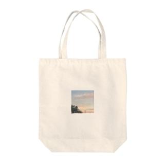 夏のくもでっかい Tote bags