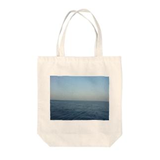 地平線 Tote bags