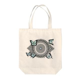 オオルリアゲハ Tote bags