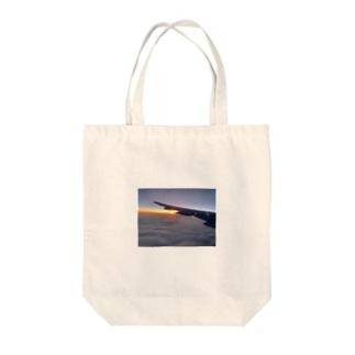 飛翔 Tote bags