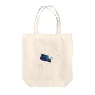 手の中 Tote bags
