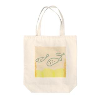 泳ぐサカナ Tote bags