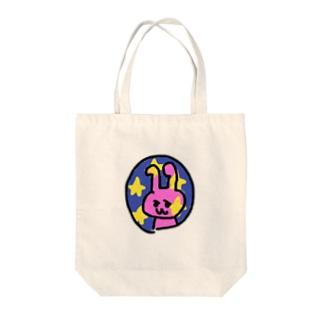 月に輸送されるウサギ Tote bags