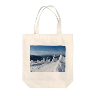 雪山 Tote bags