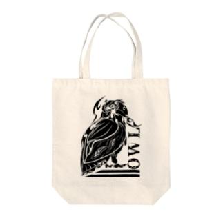 トライバル梟 Tote bags